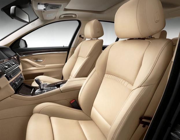 F10 BMW5シリーズ 内装